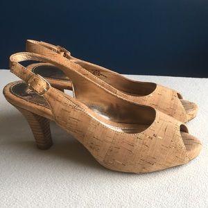Sofft cork peep toe heels sz 9